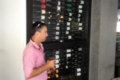 Restaurant-Side-On-Wine-Cellar-Display-633