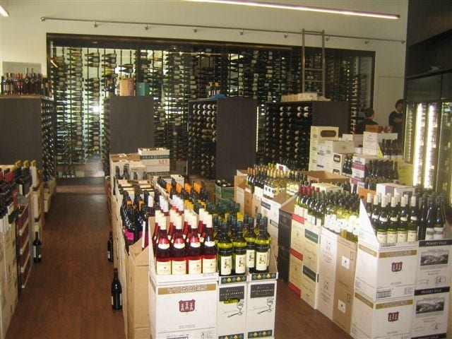 wall-of-wine-003